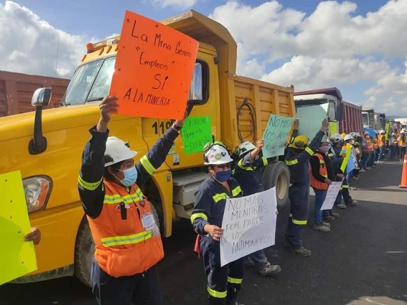 Pobladores reconocen a minera Cuzcatlán y agradecen beneficios